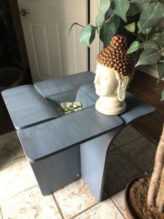 Beautiful custom Tulip side table. No one else will have it.