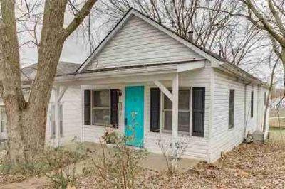 12 Ryan Street Festus Two BR, Adorable home with many updates