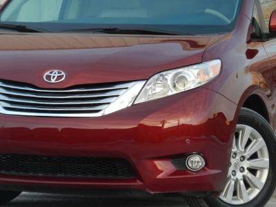2011 Toyota Sienna Limited 7 Passenger AWD 4dr Mini Van