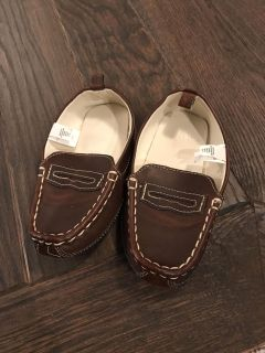 Gap size 10 brown shoes. Like new! $5