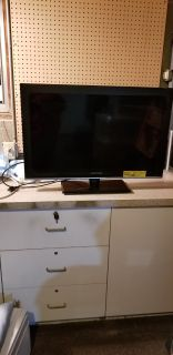 Sceptre 32 inch flat panel television
