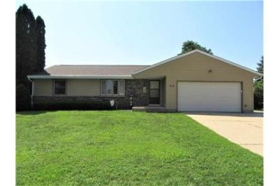 Nice 1-owner, 2-bedroom south side ranch home loca