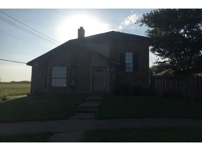 3 Bed 3 Bath Preforeclosure Property in Mesquite, TX 75149 - Doubletree Pl