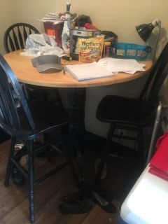 Y all kitchen table 3 chairs