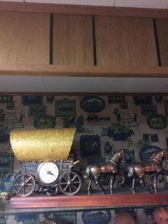 Vintage United Wagon and 4 Horse Clock