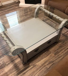 Gorgeous Dove Gray coffee and end table