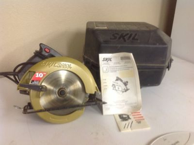 Skilsaw circular saw with case