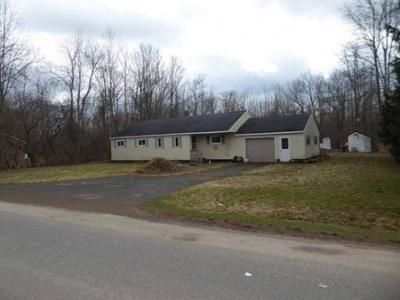 4 Bed 2 Bath Preforeclosure Property in Fulton, NY 13069 - Calkins Rd