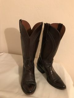 Western Boots (Almoct New)