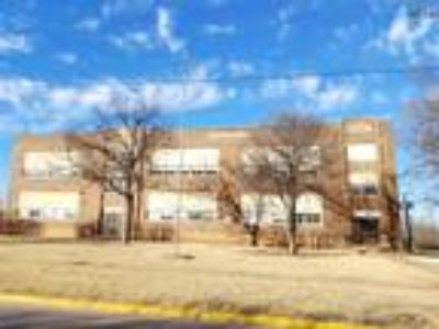 Wichita Falls, Holland school for sale or lease.