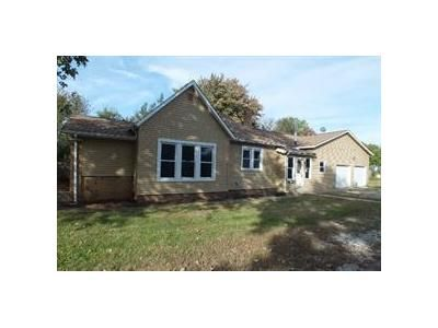 3 Bed 2 Bath Foreclosure Property in Fairland, IN 46126 - W Jackson St