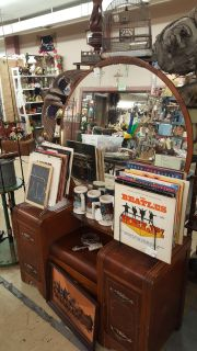 Vintage Wooden Dresser With Mirror and Drawers