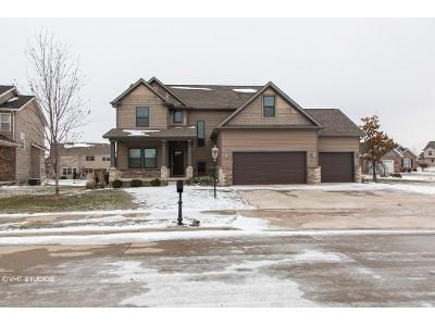 5 Bed 3.5 Bath Foreclosure Property in Dunlap, IL 61525 - N Saddlehorn Way