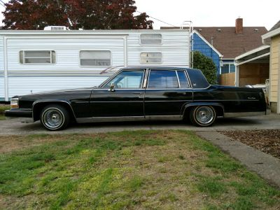 1986 Cadillac lowrider With hydraulics and lights
