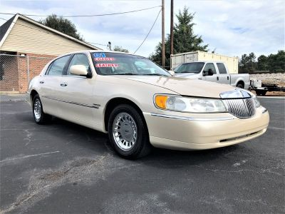 2001 Lincoln Town Car Cartier (White)