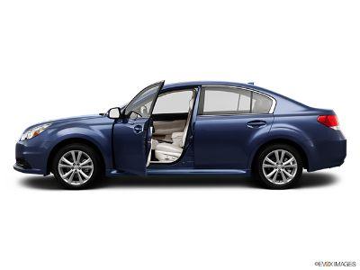 2013 Subaru Legacy 2.5i Premium (SILVER)