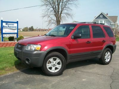 2006 Ford Escape 4x4-V6 3.0 Leather/Loaded-Red and Ready!! $7850