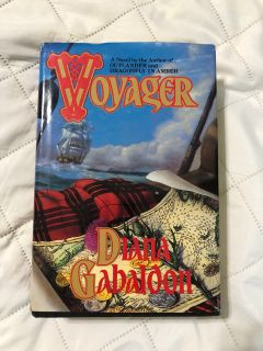 Hardback collectible book voyager Diana Gabaldon-this is a must read series!-(b103)