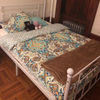 Full platform bed frame & 8 memory foam mattress