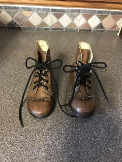 Cute brown lace up boots. GUC. Smoke free home.