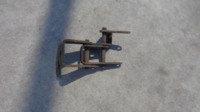 Sell Early Ford Bronco 1966-1977 factory THROTTLE LINKAGE SETUP fulcrum pivot V8 4x4 motorcycle in Phoenix, Arizona, US, for US $5.00