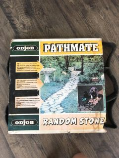 Form to make your own stone path or stone patio.