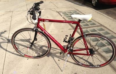 $1,000 OBO Cannondale Comfortable Road Bike - Great Ride - Ultra Light