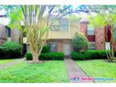 Lovely Two BR Townhome- Gated Community
