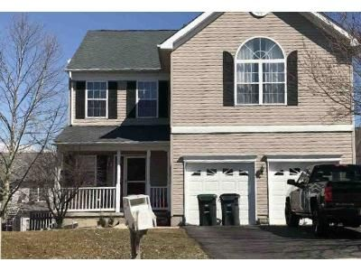 4 Bed 2.5 Bath Foreclosure Property in Stewartsville, NJ 08886 - Mary Cir