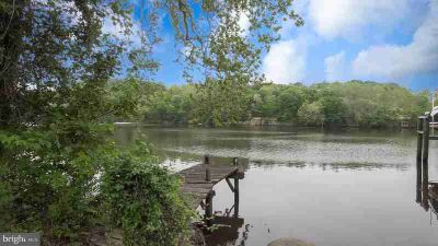 109 Poplar Ln OCCOQUAN Four BR, WATERFRONT! This lovely rambler