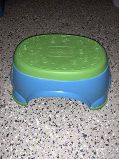 Children s step stool great condition