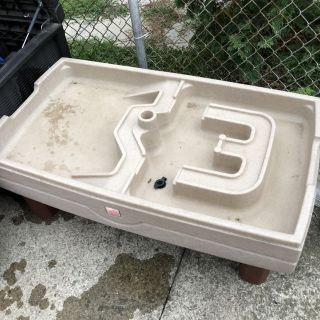 Water table with cover