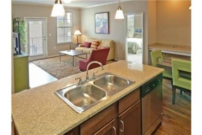 3 bedrooms Apartment - Enjoy the peace and quiet of your new home located on Mud Island.