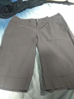 Mossimo brand shorts size 8