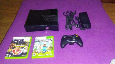 20gb xbox360 with 2 games