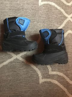 Size 8 Snow Boots Worn a few times