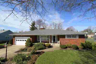 321 Kings CT Bound Brook Three BR, Over-sized Brick Ranch Built