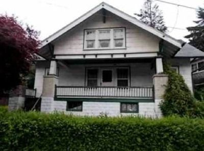 Single Family House Foreclosure: $17,900! Bring it Back to the Original Charm