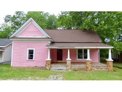 3 Bed 1 Bath Foreclosure Property in Bessemer, AL 35020 - Hall Ave