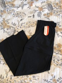 NWT Merrill pants size 4 zip off to shorts