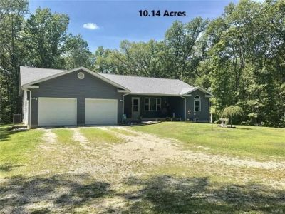 2735 7th St Ramsey IL For Sale