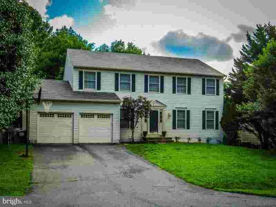 21 Summerwood Dr Stafford, Come check out this beautiful 4