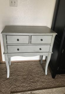 Entry/ side table