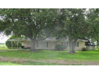 3 Bed 1.5 Bath Foreclosure Property in Saint Martinville, LA 70582 - Coteau Holmes Rd