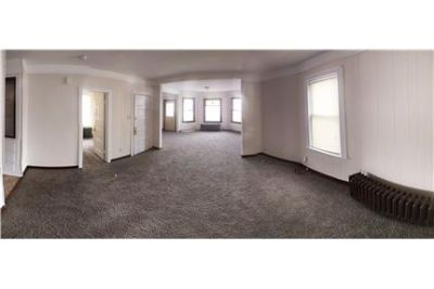 2.5 bedrm Apt.--Balcony, kitchen, 1 bath, backyard