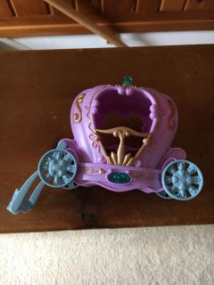 Small carriage would fit Polly pocket