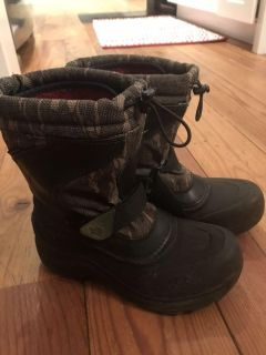 Euc North Face winter boots size 4