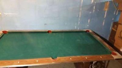 Pool table -