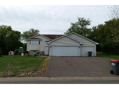 2 Bed 1.5 Bath Preforeclosure Property in Isanti, MN 55040 - Dogwood St SW