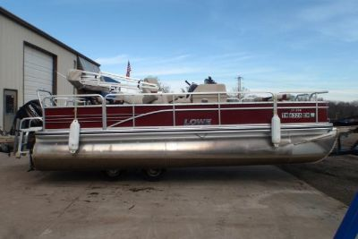 2015 Lowe SF Pontoon 214 Fish Station & Privacy